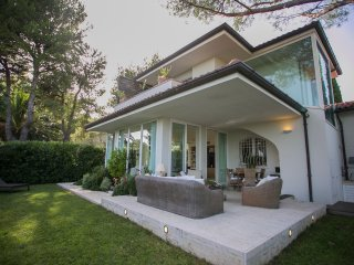 Private Luxury Design Villa with jacuzzi - Numana vacation rentals
