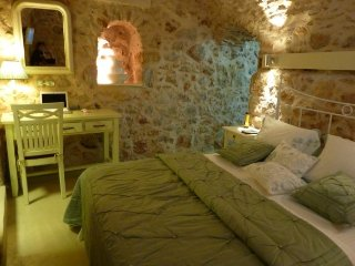 ST. GEORGE SYKOUSSIS TRADITIONAL RESIDENCE - Chios Town vacation rentals