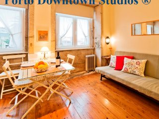 Downtown Studio 2 - Cozy - Porto vacation rentals
