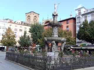 BEATIFUL LARGE APARTMENT NEAR CATHEDRAL - Granada vacation rentals