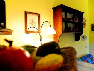 Appartamento OLIVO B - Bevagna vacation rentals