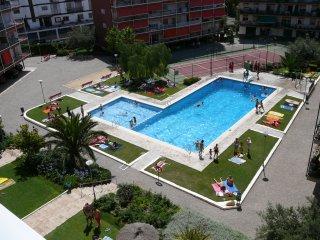 Apt 6p NEAR BARCELONA CHEAP BEACH RELAX POOL GF - Sant Andreu de Llavaneres vacation rentals