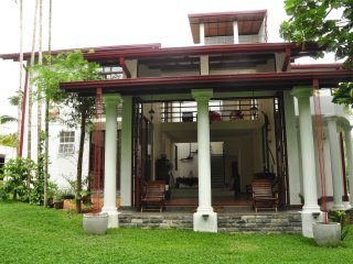 Kumbuk Villa ~ Naturally L u x u r i o u s - Colombo vacation rentals