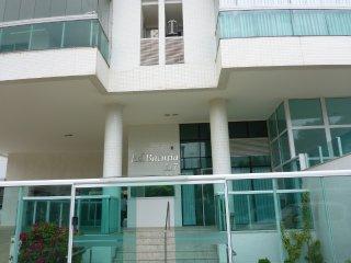 Bacutia Enseada Azul - Apartamento 3 suites luxo - Meaipe vacation rentals