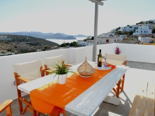 Cozy 2 bedroom Tripiti House with Television - Tripiti vacation rentals