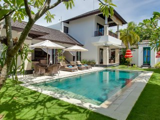 Luxury 4, 3BR Waterfront Villa, Nusa Dua; - Nusa Dua vacation rentals