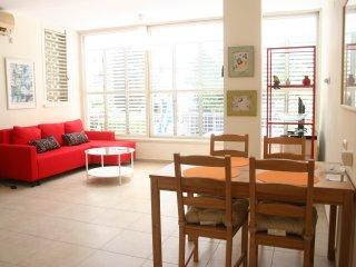 Newly Renovated 2 BR Apart, Raanana center - Ra'anana vacation rentals