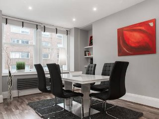 CEO Style LUXURY WEST END SUITE 3bed/3bath QUIET - London vacation rentals