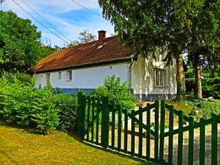 Traditional Clay built Family cottage, XL garden, with secluded outdoor pool - Felcsut vacation rentals