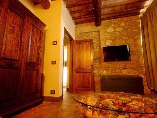 Sotto il sole della Toscana - Appartamento Puccini - Sovicille vacation rentals