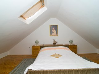 Nice 3 bedroom Mravince House with Internet Access - Mravince vacation rentals