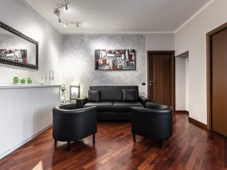 Suitelowcost - Donatello - Milan vacation rentals
