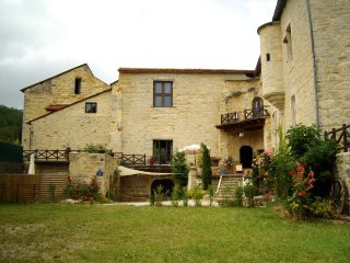 3 bedroom Castle with Internet Access in Saint-Chamarand - Saint-Chamarand vacation rentals