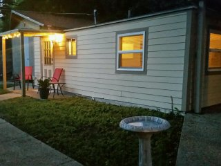 Quaint & Quite_ Near Museums, Shopping, & Downtown - Alamo Heights vacation rentals