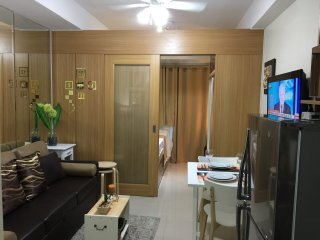 Brand New 1 BR Shell MOA with Balcony - Pasay vacation rentals