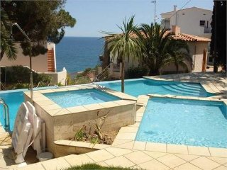 Appartement de 4 chambres vue mer, 50m de la plage - Llanca vacation rentals