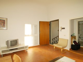 Cozy 2 bedroom Florence Apartment with Internet Access - Florence vacation rentals