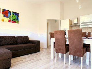 2 bedroom Condo with Internet Access in Starigrad-Paklenica - Starigrad-Paklenica vacation rentals