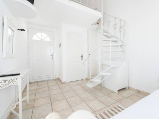 Maisonette with pool+breakfast for 3 people - Perissa vacation rentals