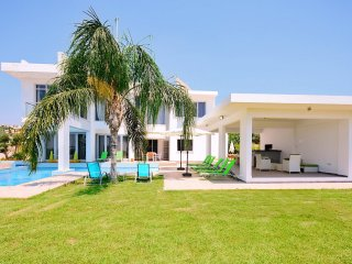 Exceptional Modern Villa Pool And Sea Views. - Peyia vacation rentals