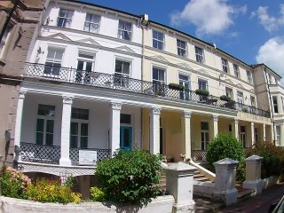 Beautiful Apartment with Washing Machine and Balcony - Eastbourne vacation rentals