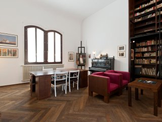 Accademia Spacious 3 Bedrooms Canal View - Venice vacation rentals