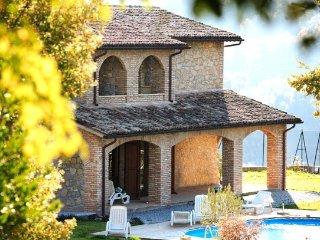 Villa in Valtopina, Campagna Umbra, Umbria, Italy - Valtopina vacation rentals