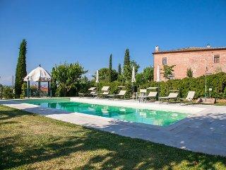 4 bedroom Villa in Fonte Sambuco, Tuscany, Italy : ref 2269861 - Abbadia di Montepulciano vacation rentals