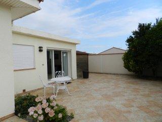 Private studio on property in Latour-bas-Elne - Latour-Bas-Elne vacation rentals
