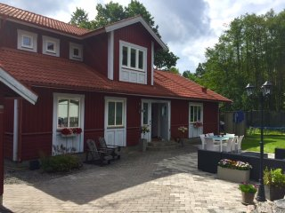 4-8 beds close to ocean, lakes and Stockholm - Nacka vacation rentals