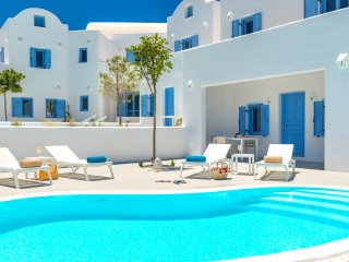 Perfect Villa with Internet Access and A/C - Fira vacation rentals