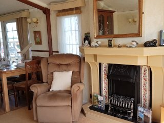 Perfect Caravan/mobile home with Internet Access and Dishwasher - Bacton vacation rentals