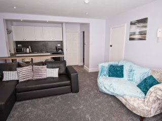 The Coral, elegant seaside, pet friendly apartment - Saltburn-by-the-Sea vacation rentals