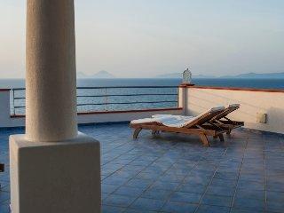 Bilocali lato giardino a 3' dal mare (San Gregorio) - Magico Appartamenti Scafa - Capo D'orlando vacation rentals