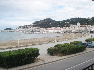 1367 Apartment on the seafront. - El Port de la Selva vacation rentals