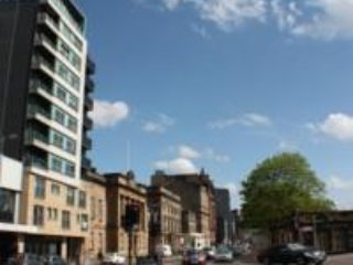 Modern apartment in the heart of Glasgow - Glasgow vacation rentals