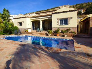 Nice Villa with Internet Access and A/C - Coin vacation rentals