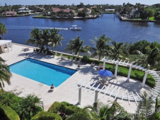Watch yachts sail by! Walk to beach! 3 mi to Ave! - Boynton Beach vacation rentals