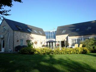 Villa atypique de tout confort,dans le sud du nord - Solre-le-Chateau vacation rentals