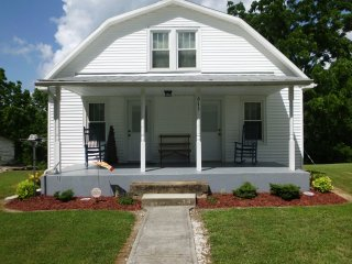 Cozy 3 bedroom House in Beattyville with A/C - Beattyville vacation rentals