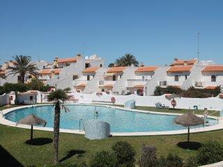 Pueblo Andaluz 2 Bedroom - WIFI, A/C, PS4, South Facing - 3 mins to Beach & Golf - Roquetas de Mar vacation rentals