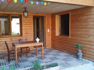 appartement écologique sans vis à vis - Eclassan vacation rentals