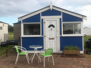 The Little House Chalet, Leysdown, Isle of Sheppey - Leysdown-on-Sea vacation rentals