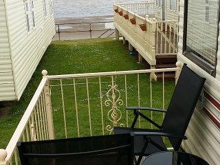 Large 2 bed caravan with sea view & indoor pool - Leysdown-on-Sea vacation rentals