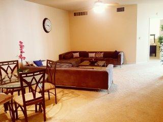 Studio City XL1500sqft Luxury 2bdrm w/ Amenities! - West Hollywood vacation rentals