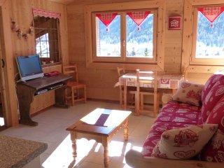 studio 2 personnes entierement equipé wifi gratuit - Ceillac vacation rentals
