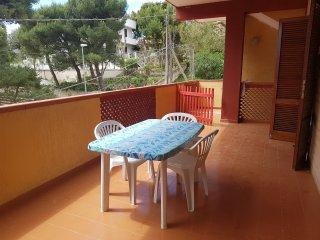 """Villetta """"Sole"""" a 100 metri dal mare - Leporano vacation rentals"""