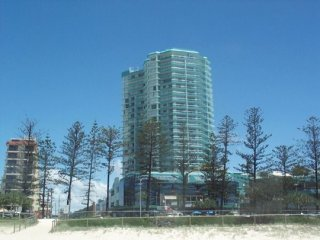 Convenient 2 bedroom Tweed Heads House with Shared Outdoor Pool - Tweed Heads vacation rentals