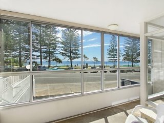 Bright 2 bedroom Tweed Heads House with Television - Tweed Heads vacation rentals