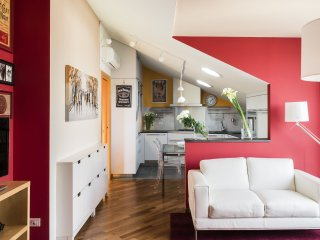Gorgeous apartment in Navigli Area (CAS) - Milan vacation rentals